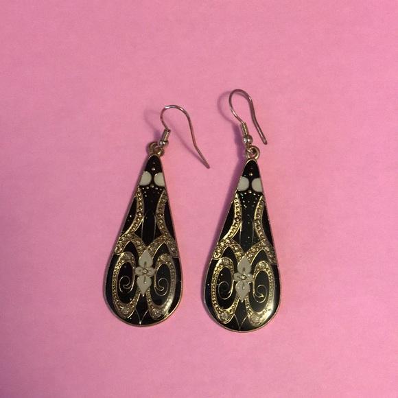 72f66bd9a ModCloth drop earrings Art Deco. M_5b25795b6a0bb7fcdd7db55e